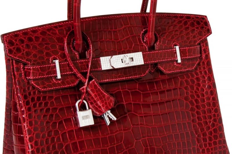 В Гонконге сумку Hermes, инкрустированную бриллиантами