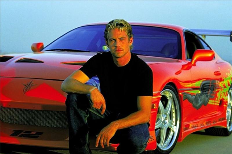 Пол Уокер сгорел в Porsche фото с места аварии