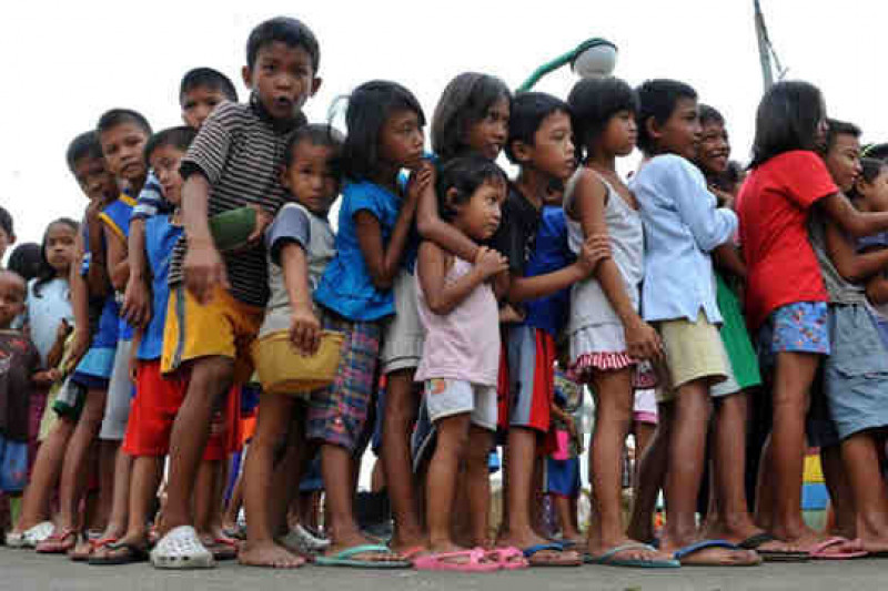 overpopulation in the phil Fact-box: overpopulation in the philippines the philippines are a series of islands in south east asia even though they neither want to nor have the economic means to provide for them the responsibility for slowing overpopulation has been moved from the.