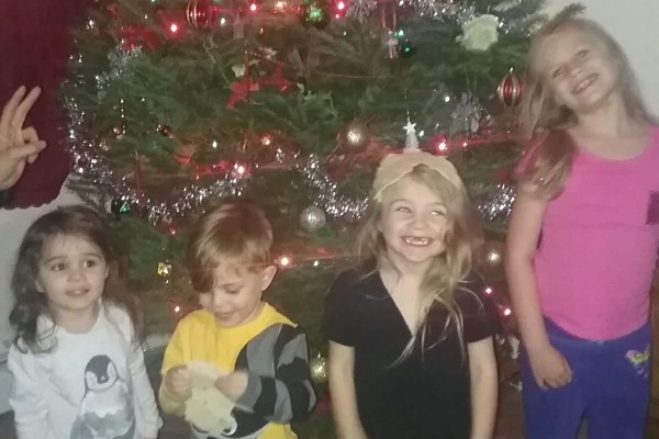 Fundraiser by Melissa Kutney : Single mother of four needing help!