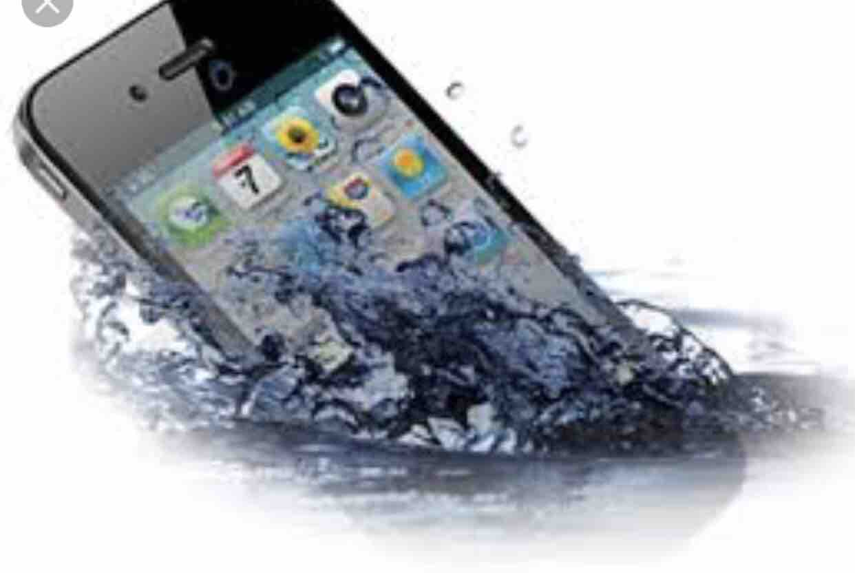 How to Revive your Water Damaged Cell Phone