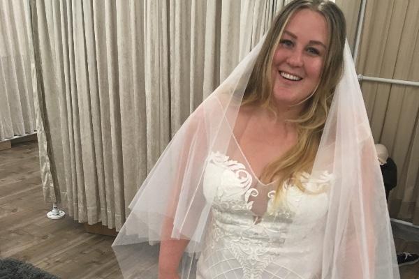 Fundraiser By Cheri Arlene Wedding Dress And Honeymoon Help