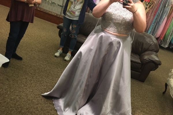 Fundraiser By Melanie Hord Elizas 2018 Dream Prom Dress