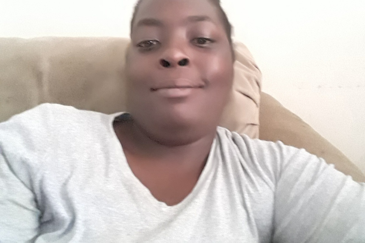 fundraiser by amanda farrow : help pay my rent