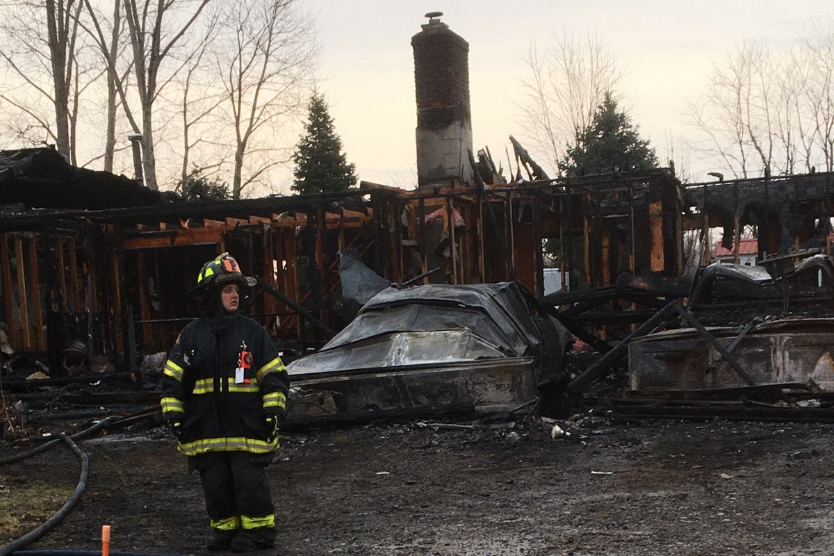Ontario couple sees outpouring of support after devastating fire after Christmas