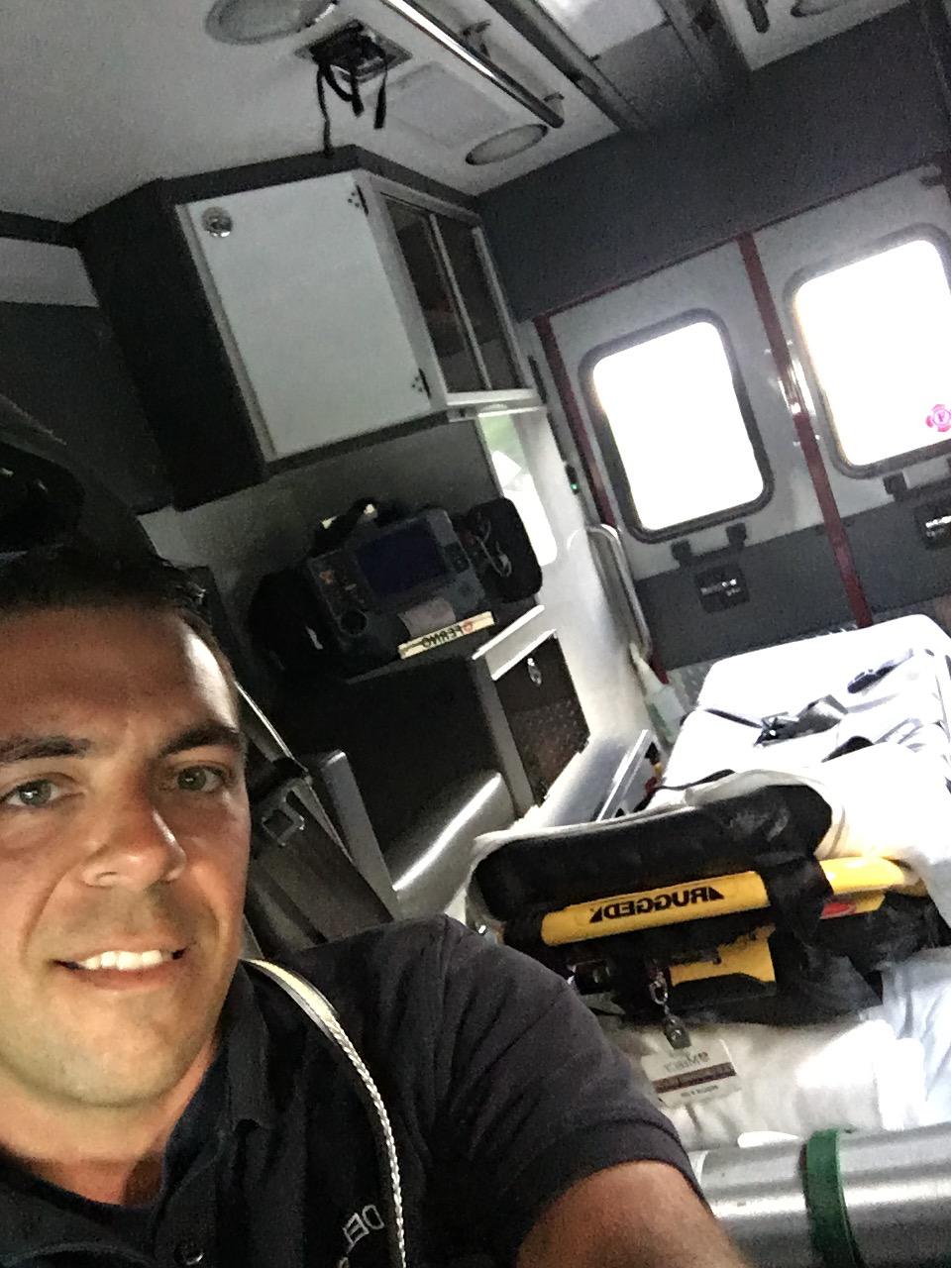 Fundraiser by Jake DeLosh : Paramedic School Fund!Click here to support Paramedic School Fund! organized by Jake DeLosh - 웹
